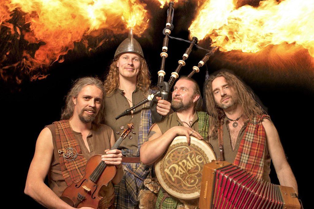 Die Gruppe The Keltics bestehend aus vier Musikern zu Gast beim Festival Heiderock in Ramelsloh.