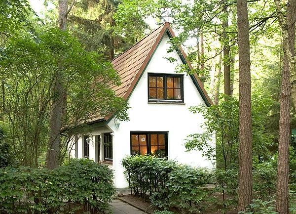 Kleiner Ferienhaus über 2 Etagen in Waldnähe.